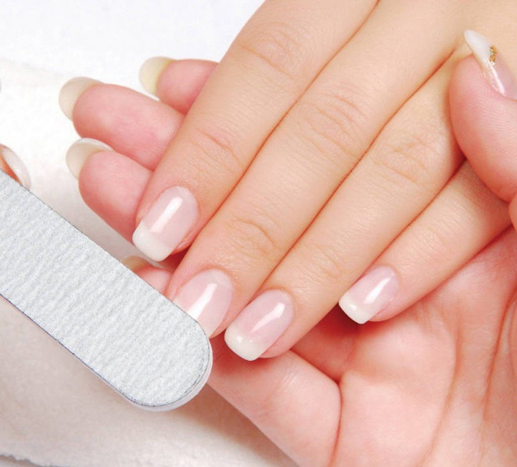1459425544_the-ideal-manicure-in-5-steps-e1392390290128.jpg